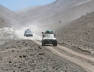Off Road 4x4 driver assessments & training, desert through to tropical environments.